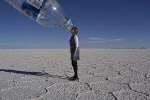 Saskia Hohe in Salar de Uyuni in Bolivia