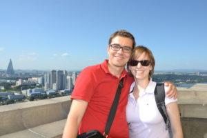 Saskia Hohe und Paul auf dem Juche Tower pyongyang DPRK North Korea