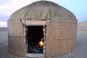 darvaza yurt camp turkmenistan